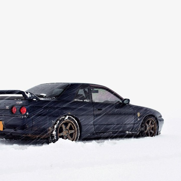 Nissan-Skyline-R32-Snow