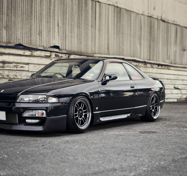 Nissan-Skyline-R33-Black-Stance-Nation