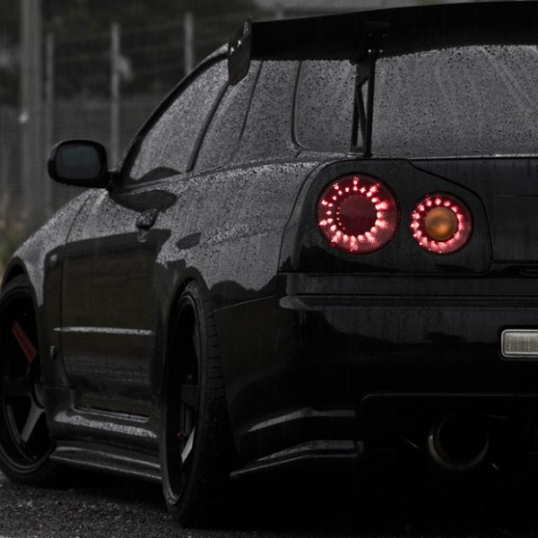 Nissan-Skyline-R34-Black-Stance-Nation