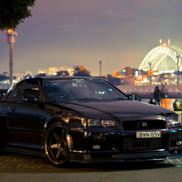 Nissan-Skyline-R34-Dark-Purple
