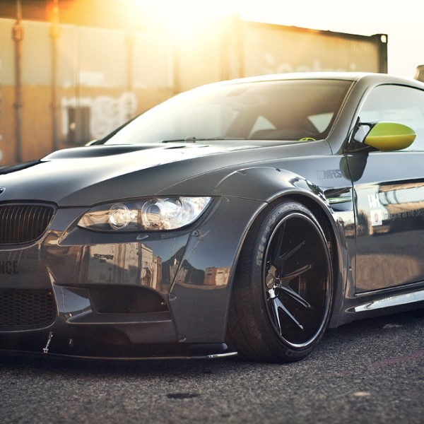 liberty-walk-e92-bmw-nitto