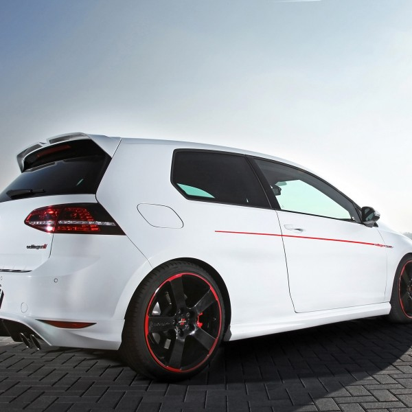 2014-Oettinger-Volkswagen-Golf-VII-GTI-Static-1-1920x1200