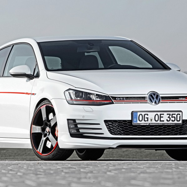 2014-Oettinger-Volkswagen-Golf-VII-GTI-Static-3-1920x1200