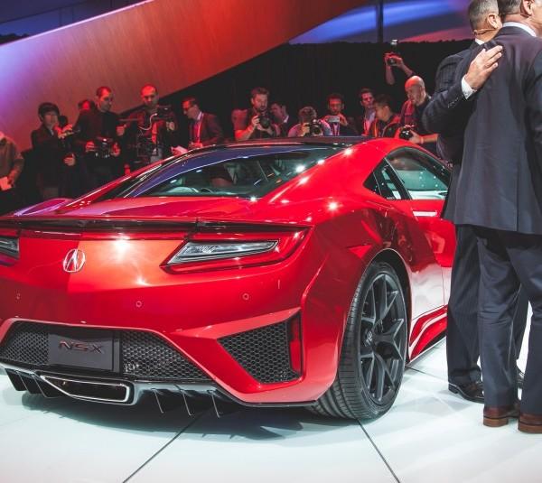 2016-Acura-NSX-2041-876x535