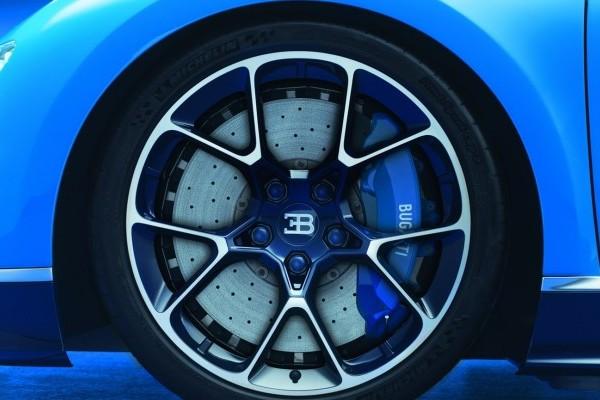 Bugatti-Chiron-10-740x400