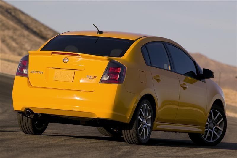 Nissan_Sentra_SER_2008 04 800