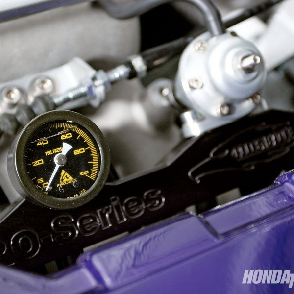 htup_0912_08_o+1994_honda_del_sol_s+golden_eagle_fuel_rail