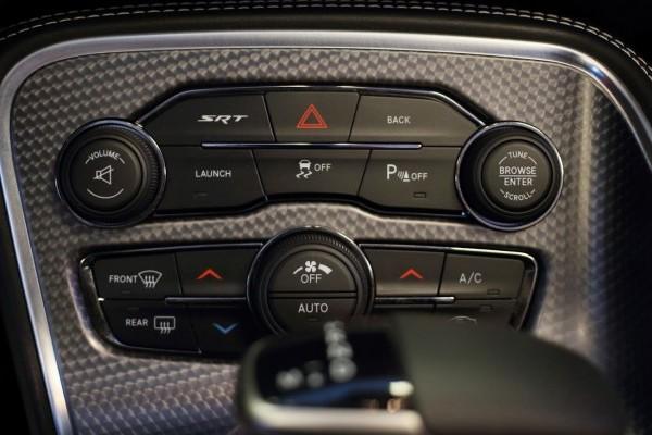 Iverson-Dodge-Challenger-Hellcat-Cabrio-8-740x400