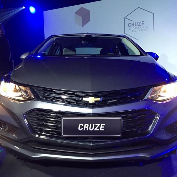 Novo-Chevrolet-Cruze-2017-12
