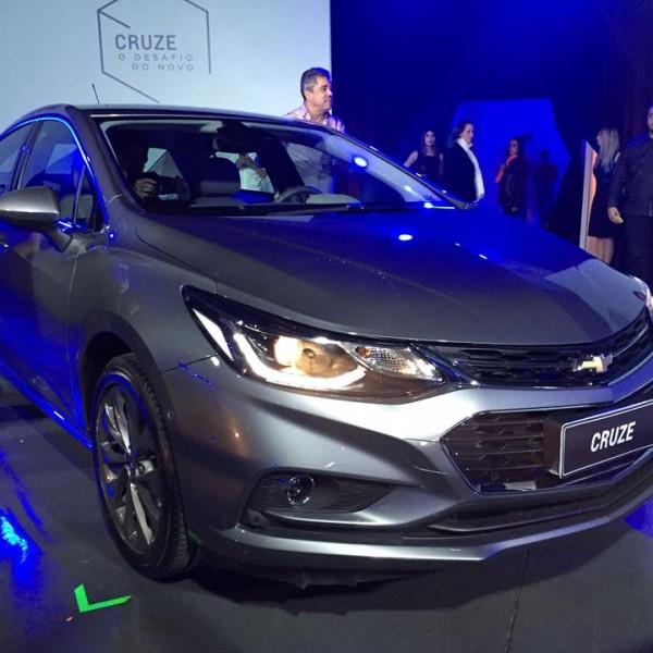 Novo-Chevrolet-Cruze-2017-14