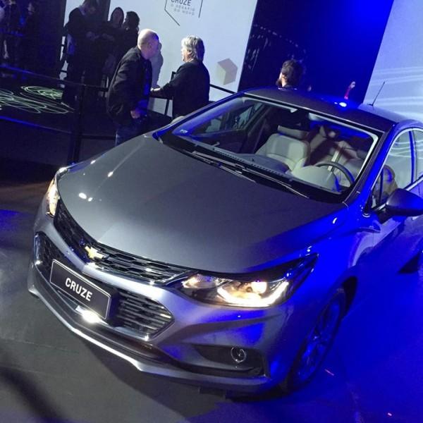 Novo-Chevrolet-Cruze-2017-15
