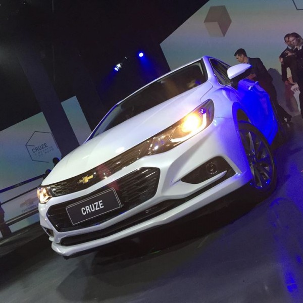 Novo-Chevrolet-Cruze-2017-2-1
