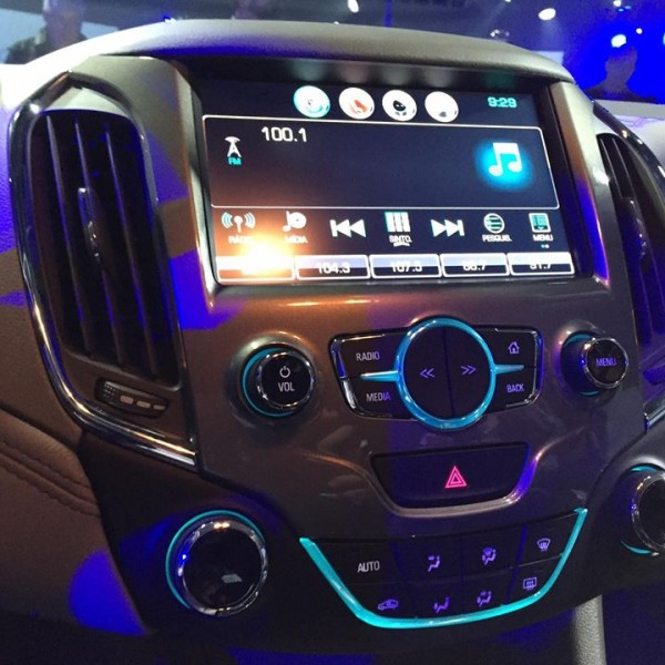Novo-Chevrolet-Cruze-2017-8