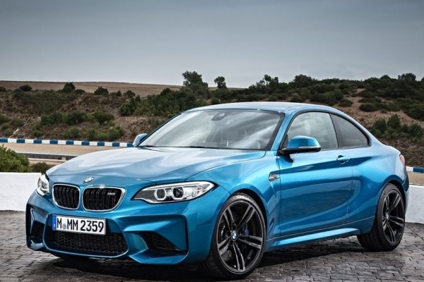 BMW-M2_Coupe-2016-1024-05-740x400