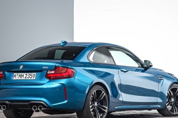 BMW-M2_Coupe-2016-1024-24-740x400