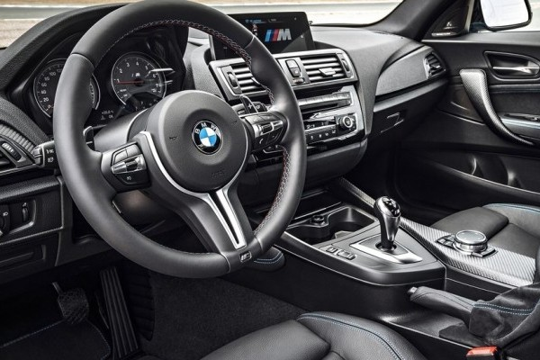 BMW-M2_Coupe-2016-1024-39-740x400